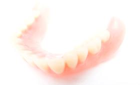 入れ歯(錦糸町歯医者歯科正慶歯科医院)